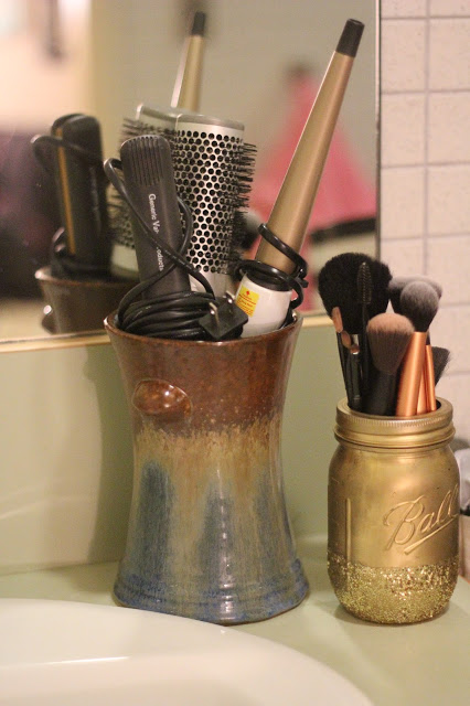 alternate use of vase as a hair tools holder