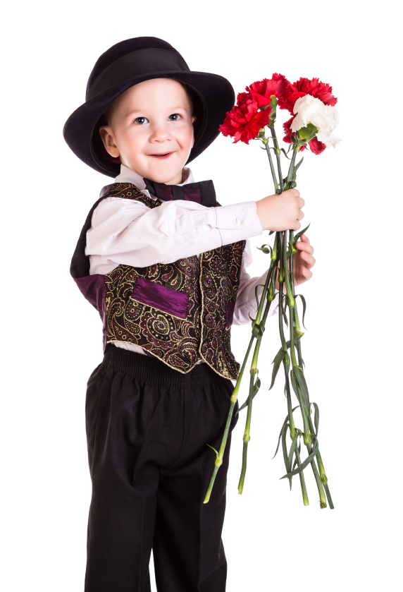 kid with flowers