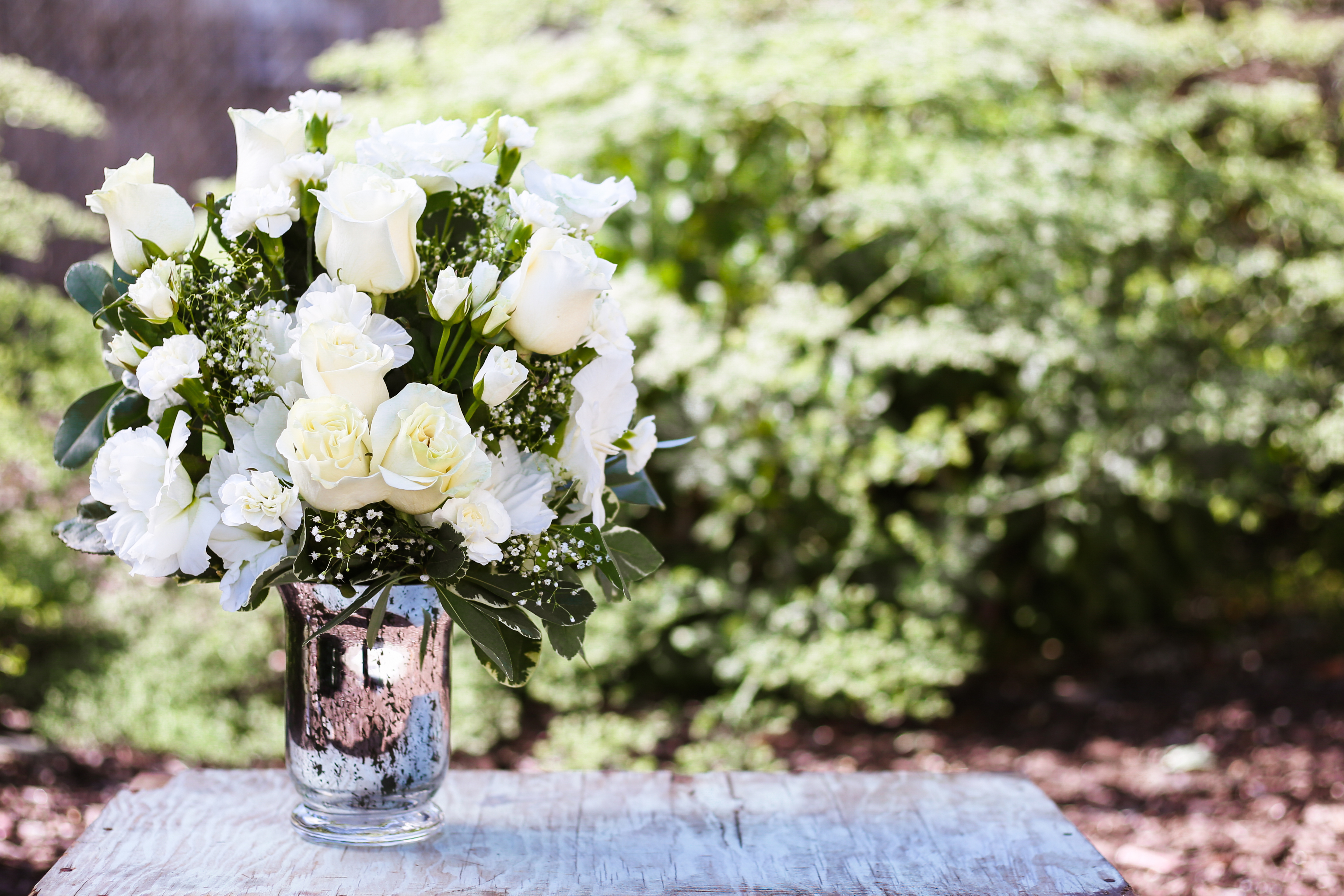 3 summer sympathy flowers to send loved ones
