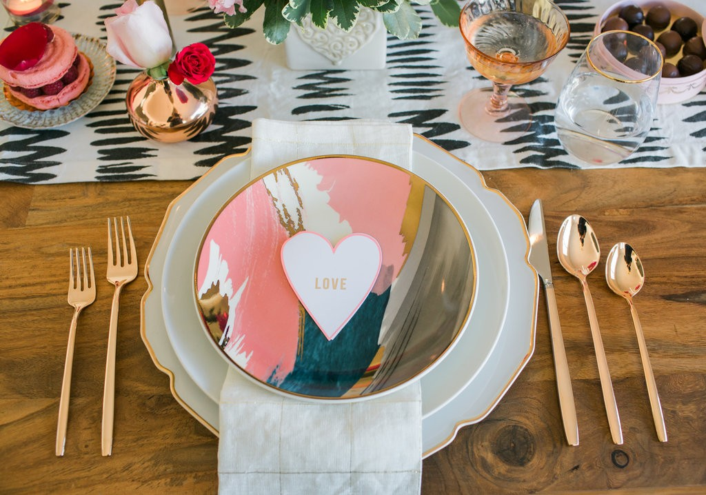 8d1782c047 Valentine s Day Date Night Ideas. valentine s place setting