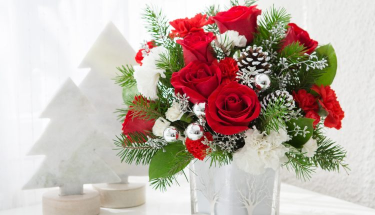 Teleflora_Woodland-Winter_a_guide_to_holiday_flowers